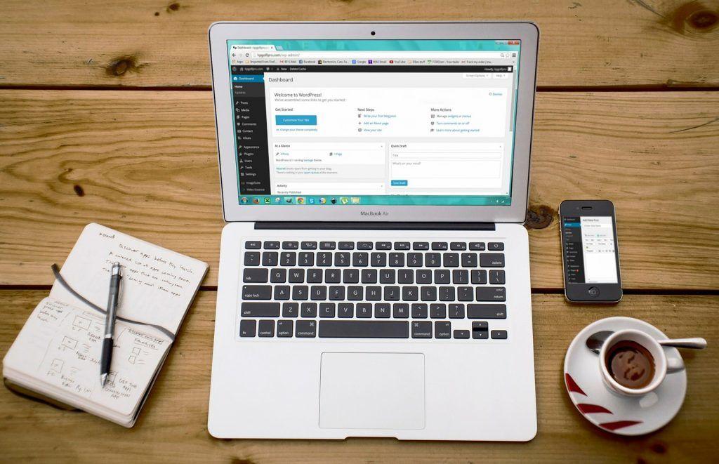 İşletmeler İçin Sosyal Medyanın Faydaları - - web tasarım, web site, vektörel grafik, türkiye, sosyal medya dikkat, sosyal medya, reklam, portakalweb, grafik tasarım, adobe illustrator